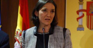 Ministra de Turismo: España introducirá pasaportes COVID de entrada antes del verano