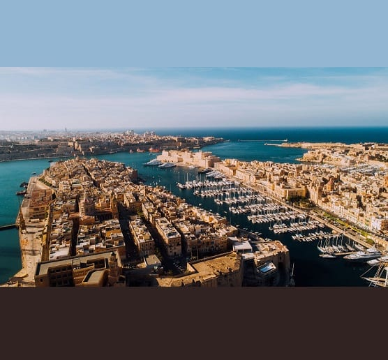 Malta vakcina mejloŝtono trafas 50 procentojn