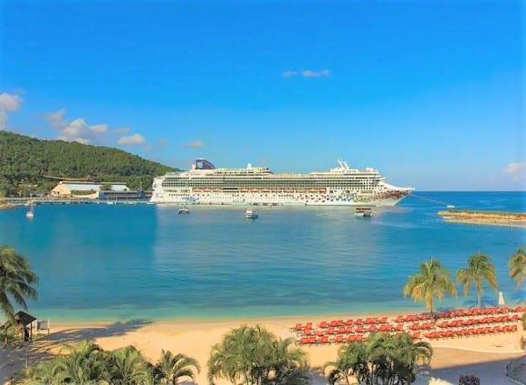 נורוויג'ן קרוז ליין תורמת מיליון דולר לג'מייקה