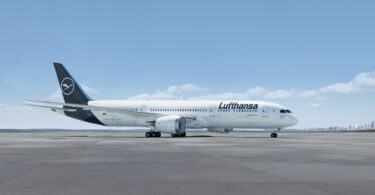 Lufthansa Group purchases 10 highly efficient long-haul aircraft