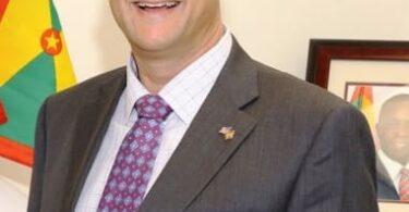 Међународни инвеститор и хотелијер Варрен Невфиелд подноси оставку на функцију амбасадора Гренаде и генералног конзула у Мајамију