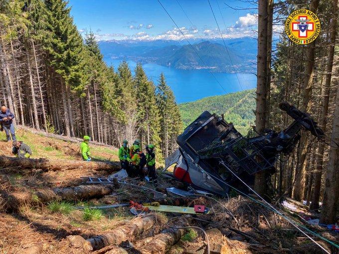 13 mennesker drept, 2 såret i italienske Alpene taubaneulykke