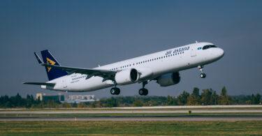 エアアスタナがカザフスタンとモンテネグロ間のフライトを開始