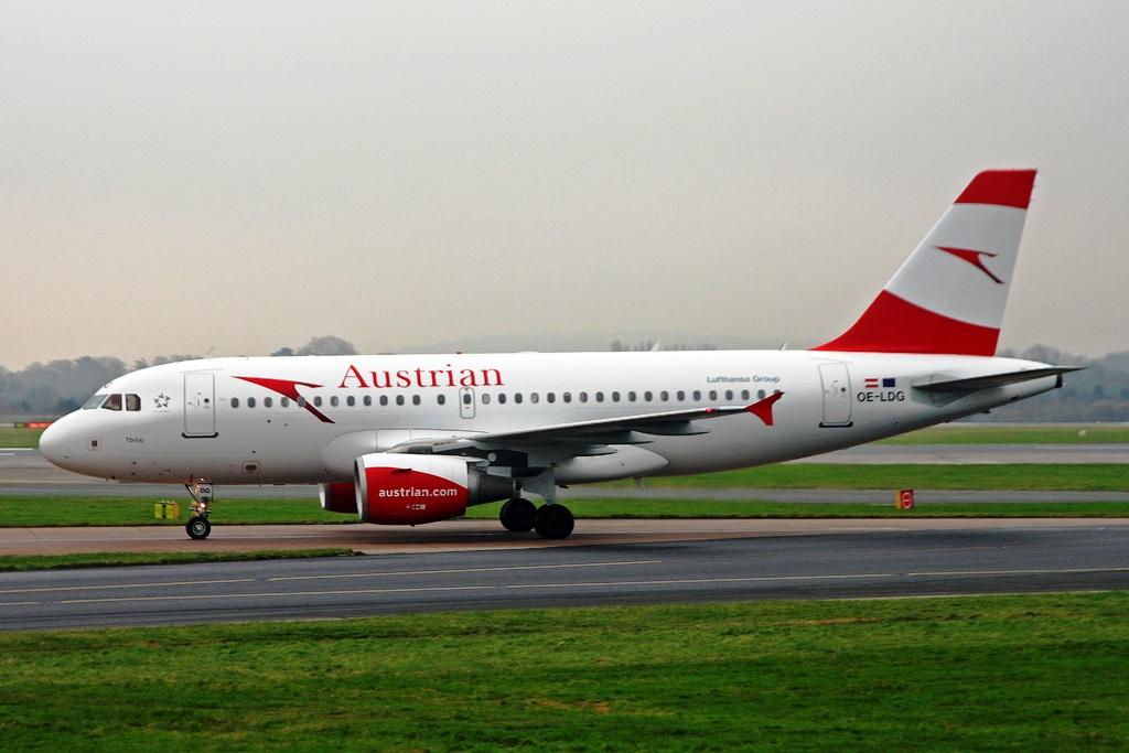 Austrian Airlines-ek Vienatik Moskura joateko hegaldia bertan behera utzi du Errusiak Bielorrusiako saihesbidea baztertu ondoren