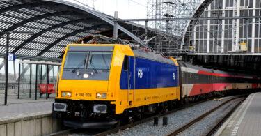 Хаос у Нідерландах, коли рух поїздів зупинився по всій країні