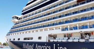 Holland America Line resumit navigationis anno August Graecia