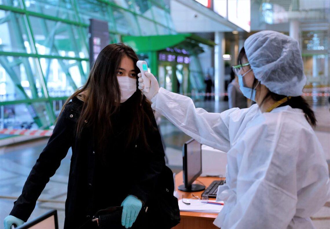 Kasakhstan skal sjekke flypassasjerens COVID-19-status før de tillater flyplassinnreise