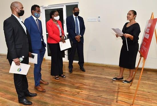 Funcionarios de turismo de Jamaica recorren el proyecto de reurbanización del campus Alpha