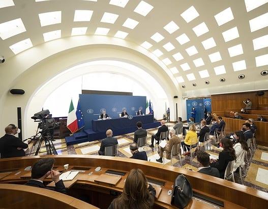 PM Draghi: Itália reabre após vacinação