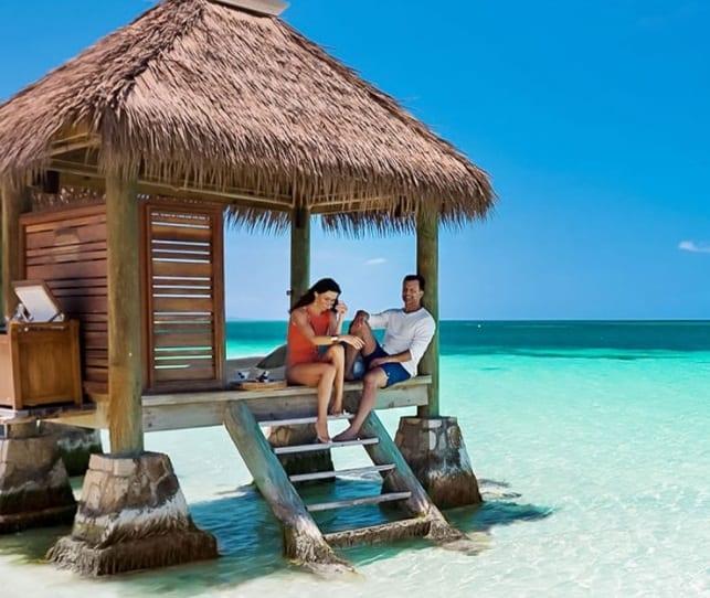 Sandals Resorts è ASTA palesanu e tendenze di viaghju chjave prima di a corsa di l'estate