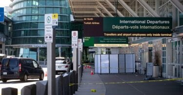 Shots ûntslein: Wat barde snein by YVR (Vancouver International Airport)?