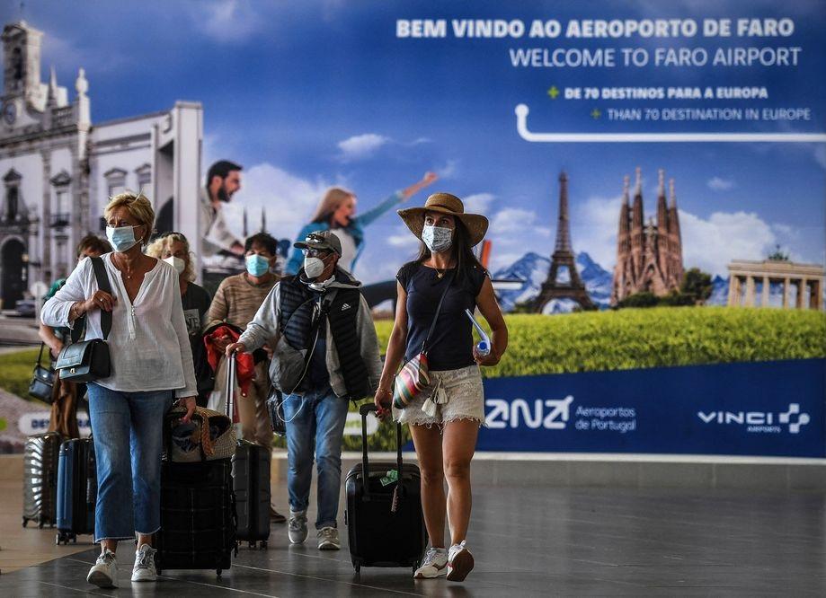ポルトガルは、COVID-19検査が陰性の米国の観光客に再開します