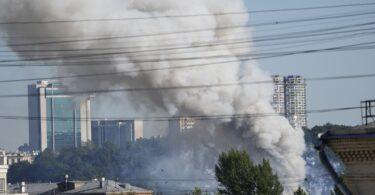 De multiples explosions secouent le centre de Moscou