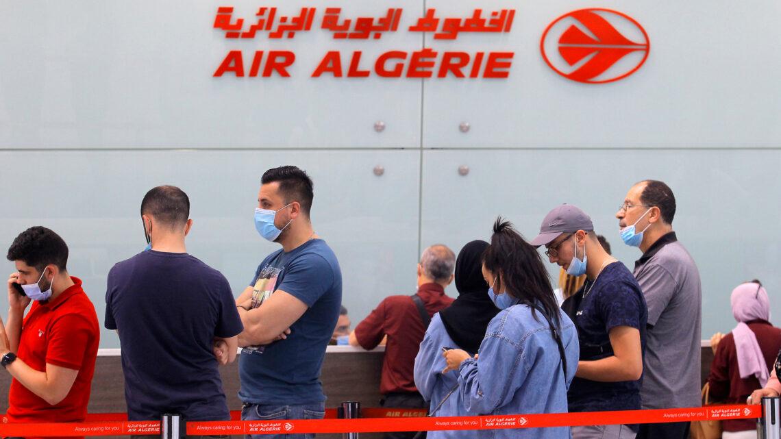تعيد الجزائر فتح بعض الرحلات الجوية الدولية مع فرنسا وتركيا وإسبانيا وتونس