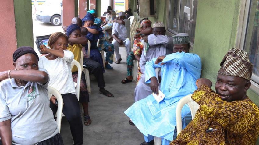 9 ing 10 negara-negara Afrika bakal nemoni target vaksinasi COVID-19 sing penting