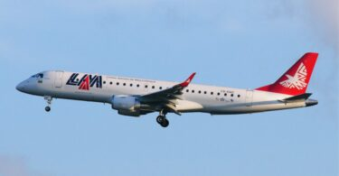 LAM Mozambique Airlines нь Embraer онгоцуудаа зардлаа бууруулах зардлаар зарна