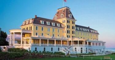 Watch House hoteleko Ocean House: inora ez iristeko eskailera handiak