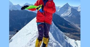 Ko te wahine taiohi o Awherika te wikitoria i te Maunga Everest