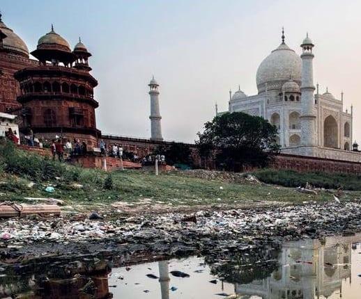 Industri pariwisata India runtuh
