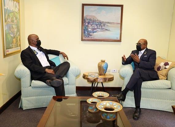 Embaixador do Panamá na Jamaica faz visita de cortesia ao Ministro do Turismo da Jamaica