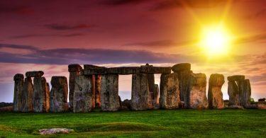 UNESCO uhkaa poistaa Stonehengen maailmanperintöluettelosta