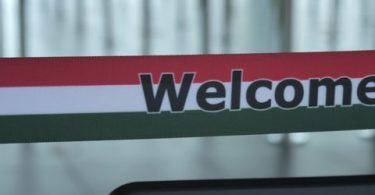 L'Ungheria consente l'ingresso ai visitatori russi completamente vaccinati
