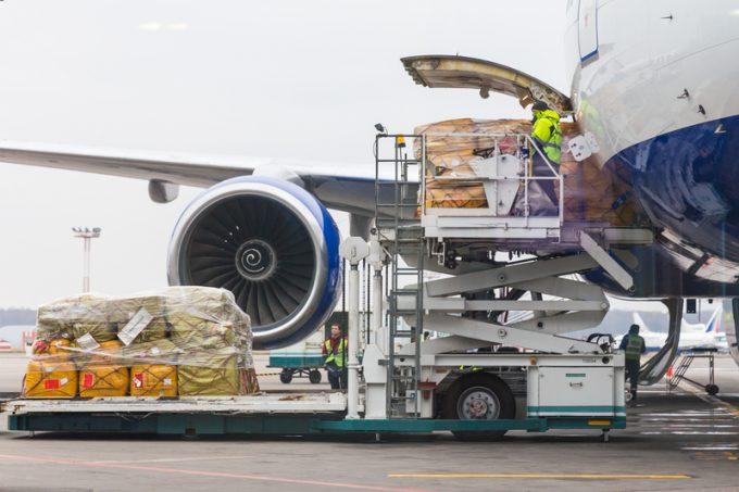 IATA: Rritja më e fortë e gjysmës së parë të ngarkesave ajrore që nga viti 2017
