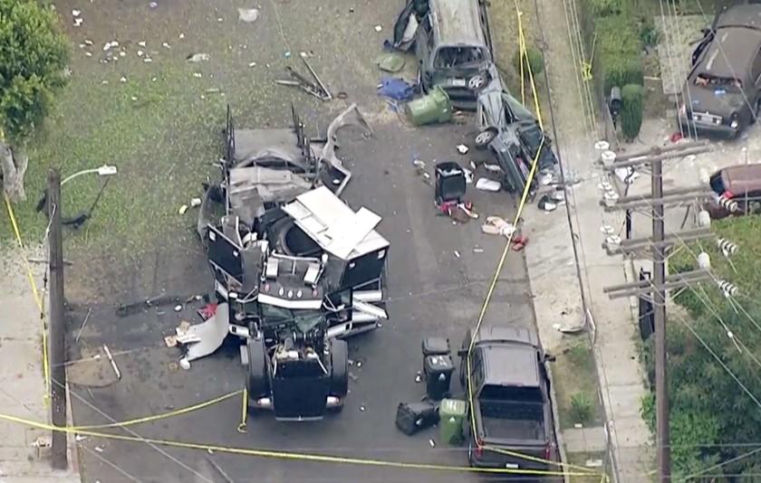 17 persone ferite nell'esplosione di un camion bomba a Los Angeles