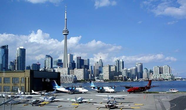 बिली विशप टोरन्टो सिटी एयरपोर्ट September सेप्टेम्बर commercial मा वाणिज्यिक एयरलाइन सेवा पुनः सुरु गर्न