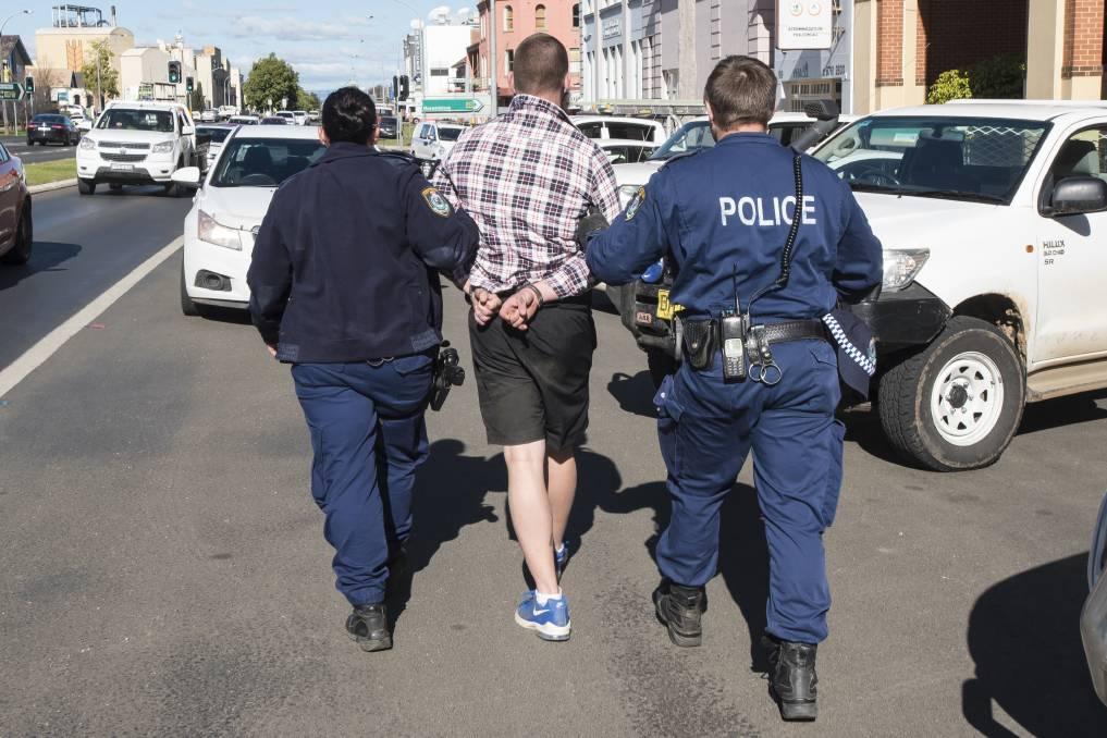 悉尼居民现在必须携带身份证以证明他们离家在 6 英里以内
