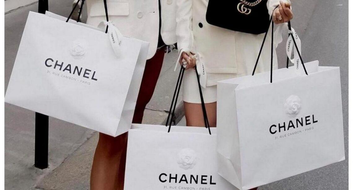 Destinacionet më të lira të udhëtimit për të blerë Louis Vuitton, Cartier, Chanel, Gucci dhe Prada
