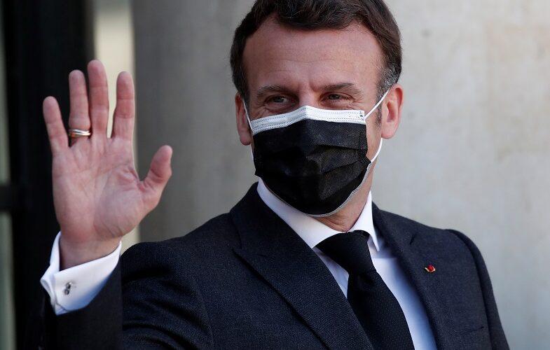 Prancis mengumumkan izin COVID untuk bar, restoran, teater, dan kereta api, pukulan wajib bagi petugas kesehatan