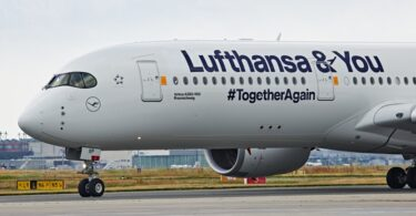 लुफ्थांसा ने फ्रैंकफर्ट हवाई अड्डे से पहले अवकाश सप्ताहांत में 76,000 लोगों को उड़ाया