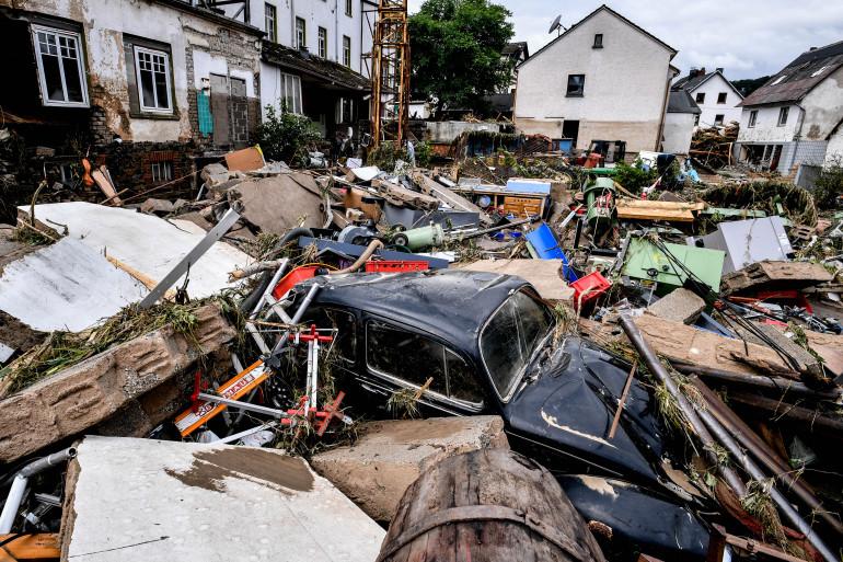 59 njerëz të vdekur, mbi 1000 të zhdukur ndërsa përmbytjet katastrofike shkatërrojnë Gjermaninë