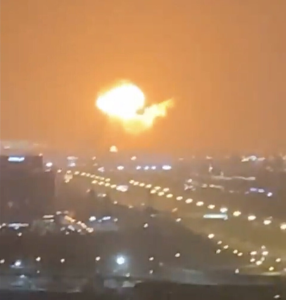 Una massiccia esplosione scuote Dubai