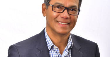 Dott. Robertico Croes