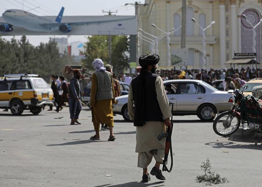 ກຸ່ມຕາລີບານຢຸດຖ້ຽວບິນທັງfromົດຈາກສະ ໜາມ ບິນນາ International ຊາດ Kabul