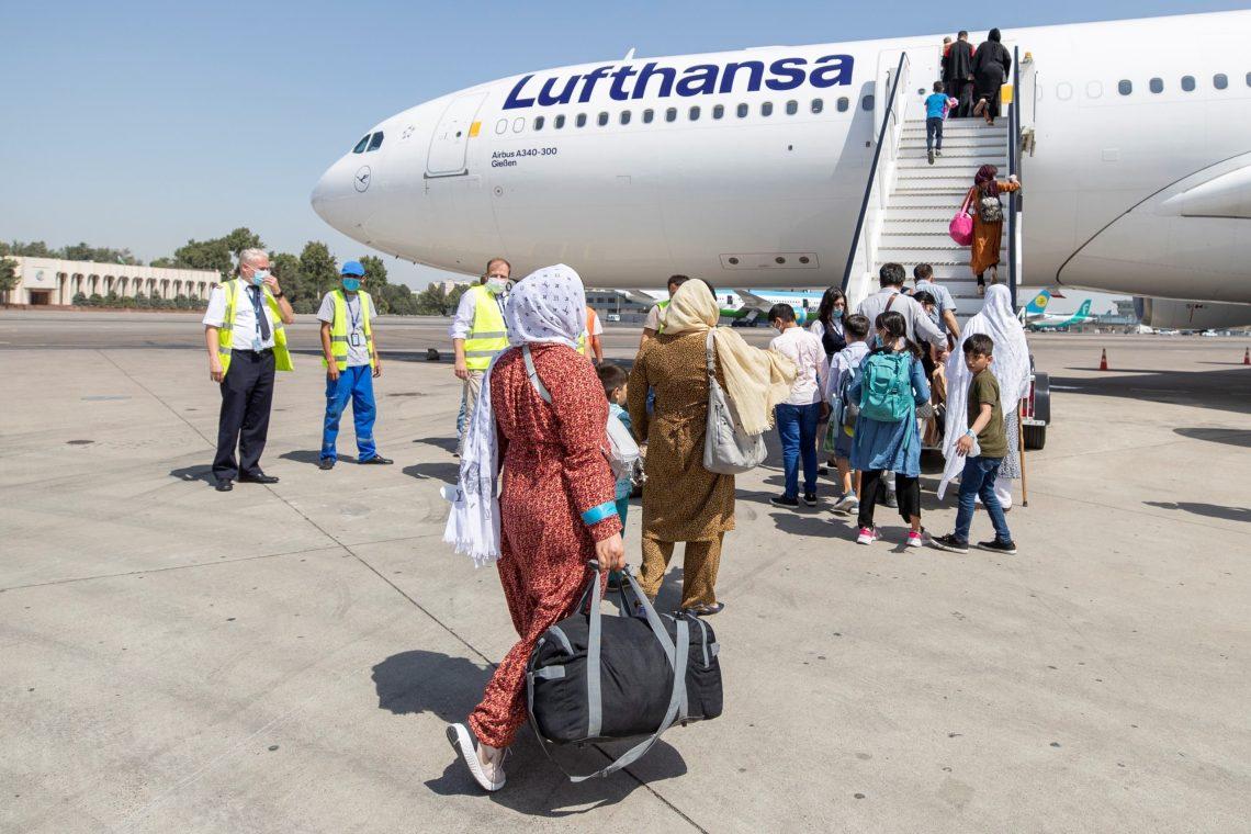 لوفتانزا له over څخه ډیر افغان مهاجر په خوندي توګه آلمان ته انتقال کړي دي
