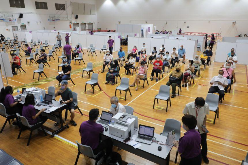 Miaraka amin'ny 80% -n'ny vahoaka voan'ny tsindrona vaksiny tanteraka, i Singapour no firenena be vaksiny indrindra manerantany
