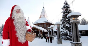 Air France Balafirên Ber bi Bajarê fermî yê Santa Claus vedike