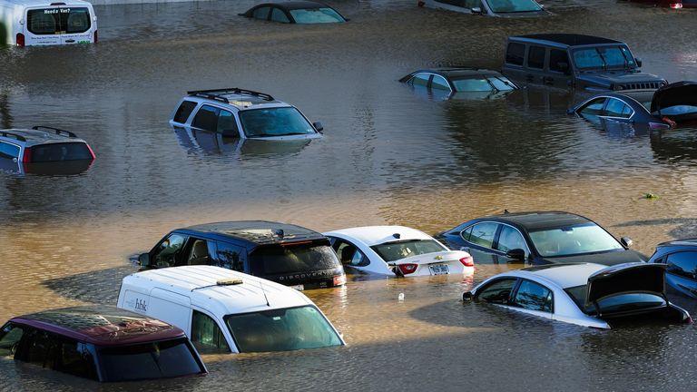 Omwen 15 moun mouri nan katastwofik inondasyon nòdès ameriken