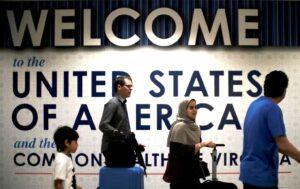 美国将终止对已接种疫苗的外国游客的旅行禁令