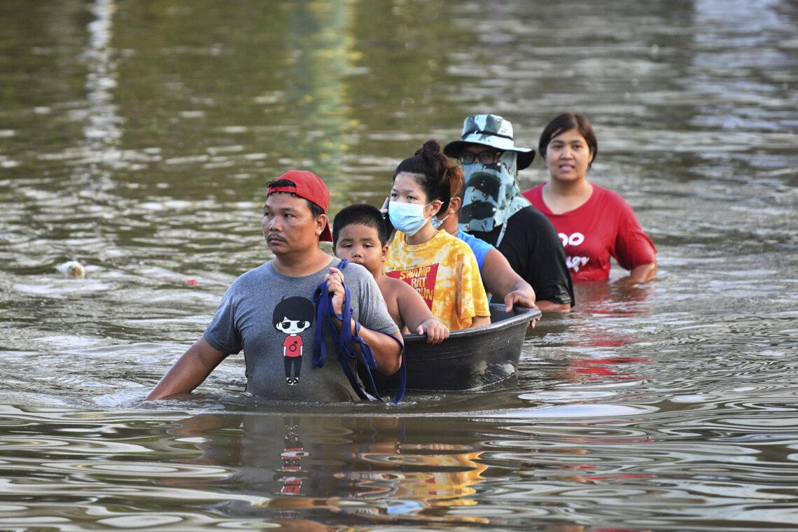 Bangkoka gatavojas lielai plūdu katastrofai