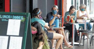 Туризми Ҳавайӣ: Хароҷоти меҳмонон коҳиш меёбад Aloha давлат