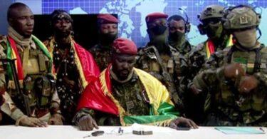 Guinee -steatsgreep: Presidint arresteare, regearing oplost, grinzen sluten