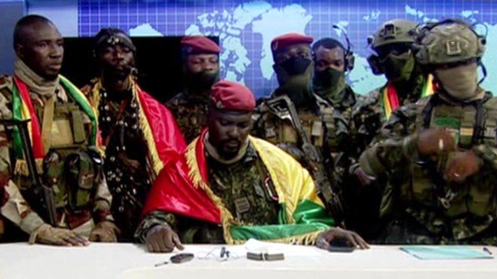 Golpe de estado en Guinea: presidente arrestado, gobierno disuelto, fronteras cerradas