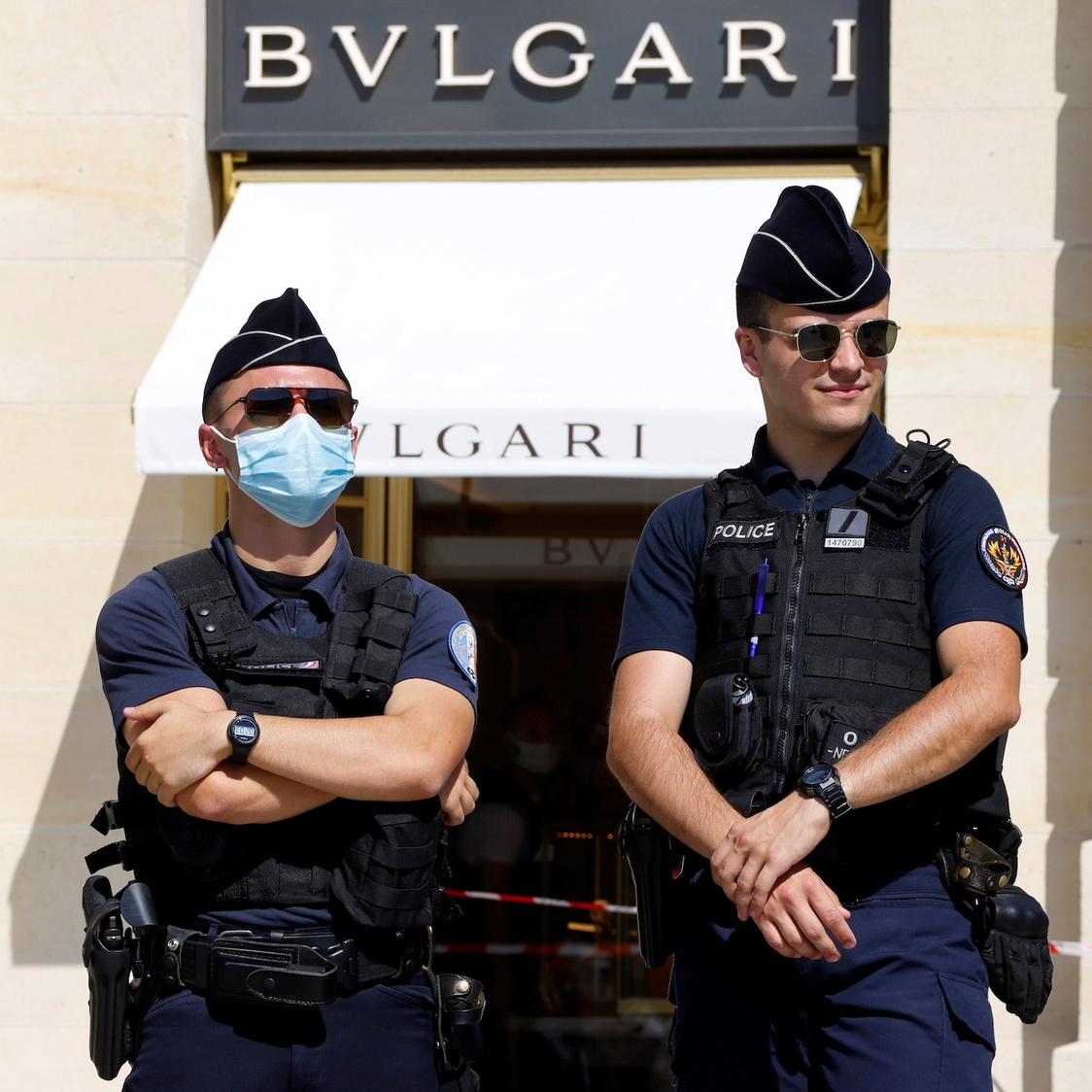 10 millions d'euros de bijoux arrachés dans un braquage d'une boutique parisienne