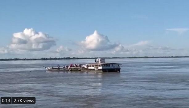 Satu tewas, puluhan hilang dalam bencana dua feri di India
