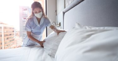 მართლა მკვდარია სასტუმროებში ყოველდღიური დიასახლისობა?