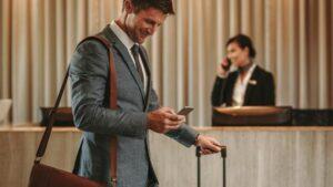 Hotele: przychody z podróży służbowych spadły o 59 miliardów dolarów w 2021 r.